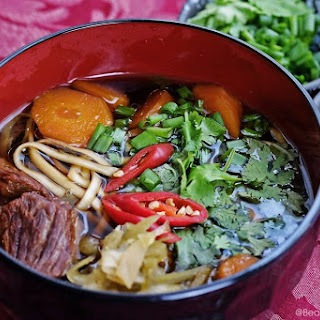 Taiwanese Beef Noodles 牛肉麵.