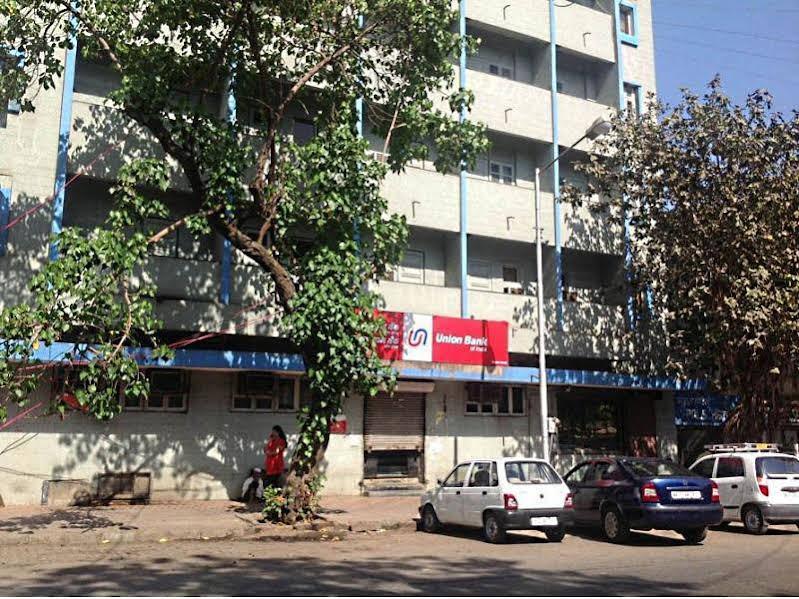 Pals Hotel, Mumbai