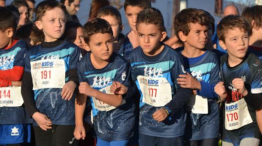 La III Media Kids reúne a cientos de familias en Roquetas de Mar