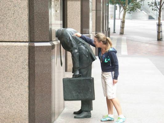 Statua a Los Angeles di FRENKI