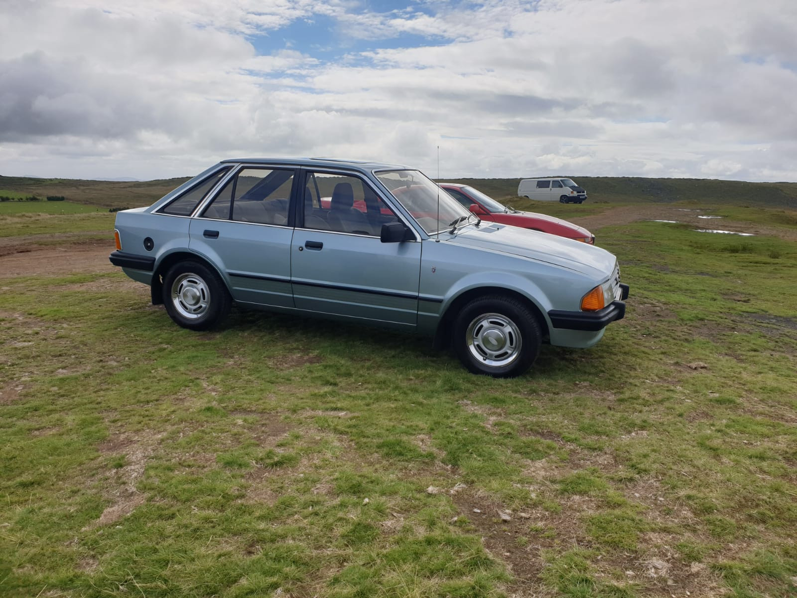 Ford Escort 1.3 Ghia Hire Stourport-on-severn
