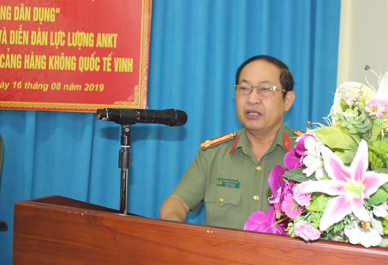Đồng chí Đại tá Nguyễn Tiến Dần, Phó Giám đốc Công an tỉnh phát biểu tại lễ ra mắt mô hình