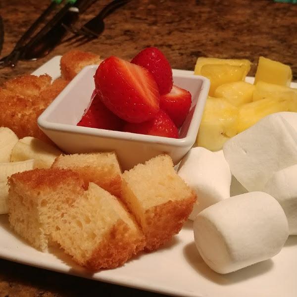 Dessert fondue dippers plate.