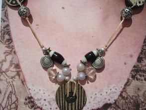 Photo: Valérie, Créatrice de Bijoux De beaux bijoux pour vos soirées d'été !  MON BLOG : http://creatrice-bijoux.blogspot.fr   MON MAIL : naviginternet@orange.fr