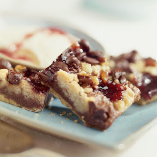 Chocolatey Raspberry Crumb Bars