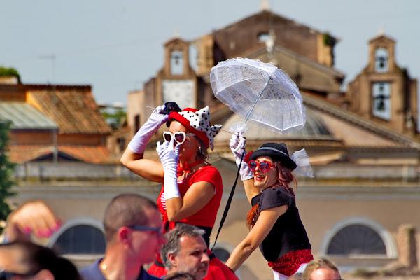 Il sorriso delle Mary Poppins di Maurzio Capolupo 57