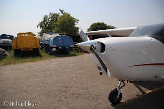 Photo: NRO og AVGAS-fueltrucken