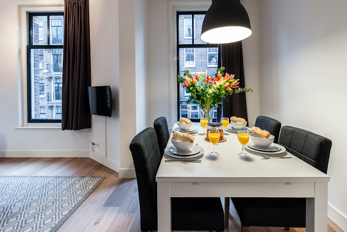 Dining space at Toldwarsstraat Apartments