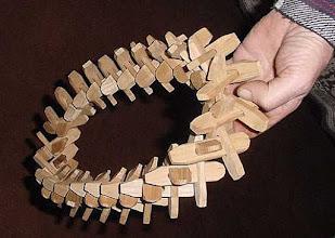 Photo: Kutya gerinc (kręgosłup psa) - wianek z drewnianych elementów do ustawiania na nim bogracza. (9)