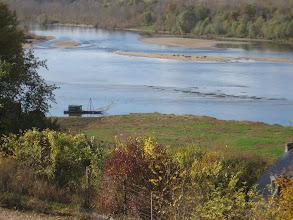 Photo: En montant vers le château de Chaumont : Vue sur la Loire.