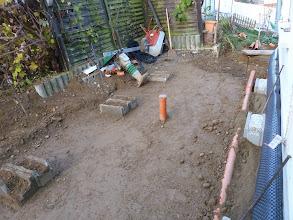 Photo: Abfluss Wintergarten, so wartet die Baustelle auf den nächsten Tag.