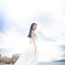 Wedding photographer Vika Tolmacheva (Viko). Photo of 07.04.2014