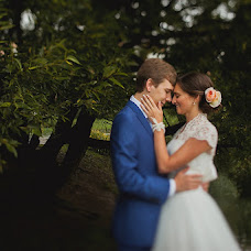 Wedding photographer Vitaliy Golyshev (Golyshev). Photo of 05.11.2013