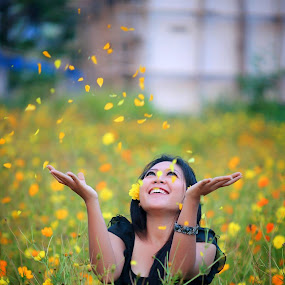 happy,,, by Mohammad Sinardi - People Portraits of Women