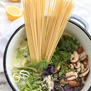 One-Pot Skinny Pasta Primavera