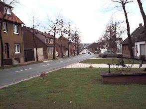 Photo: 2003 - Die Hauptstraße in Richtung Helmstedt Rechts und links eingerahmt von Lindenbäumen