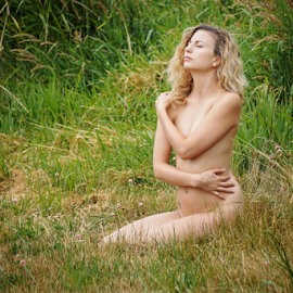 In the field  by Todd Reynolds - Nudes & Boudoir Artistic Nude