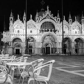 Venise - Basilique St Marc by Gérard CHATENET - Black & White Street & Candid