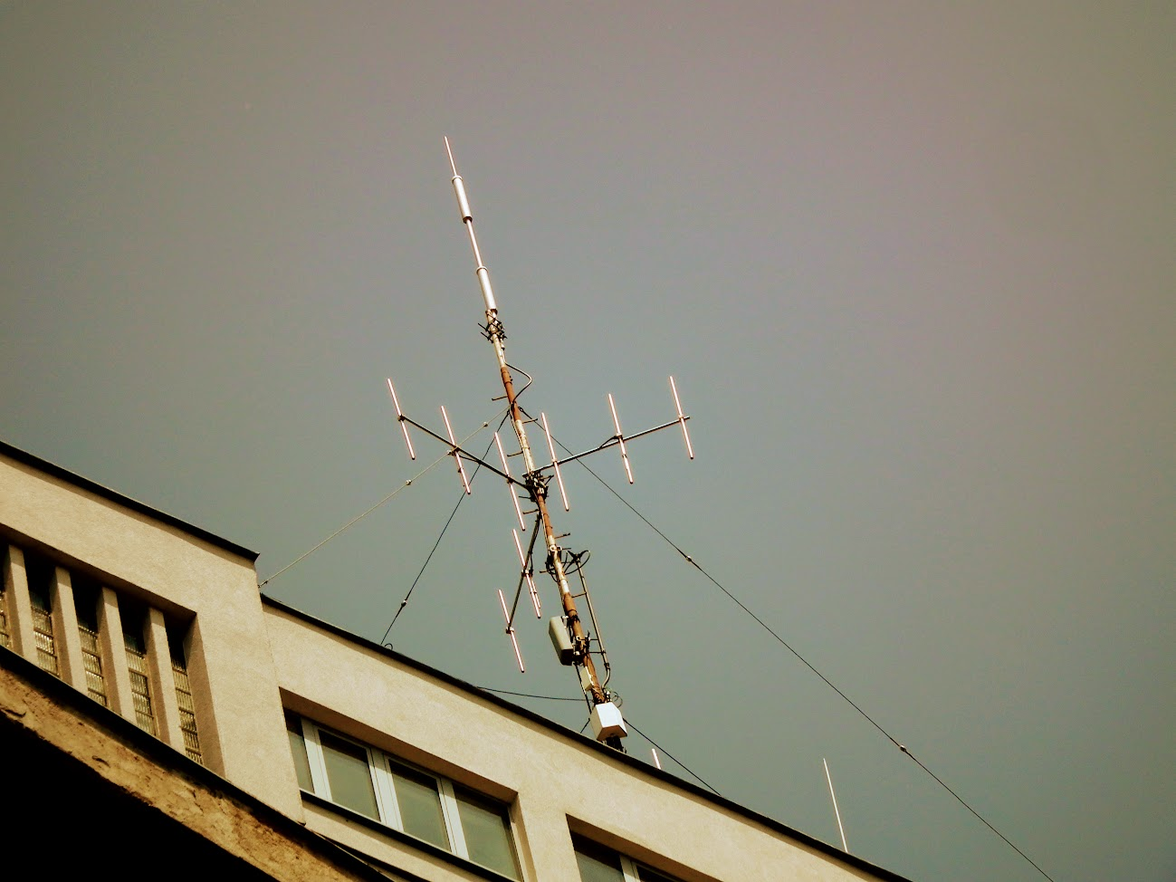 Dombóvár/kórház - helyi URH-FM adóállomás