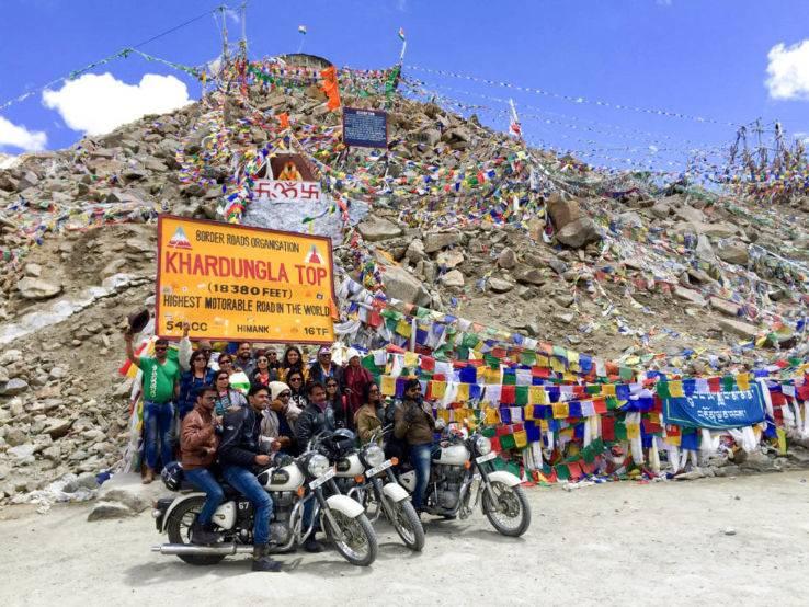 khardung La pass in ladakh_image