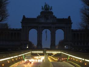 Photo: naar het Jubelpark met zijn triomfboog