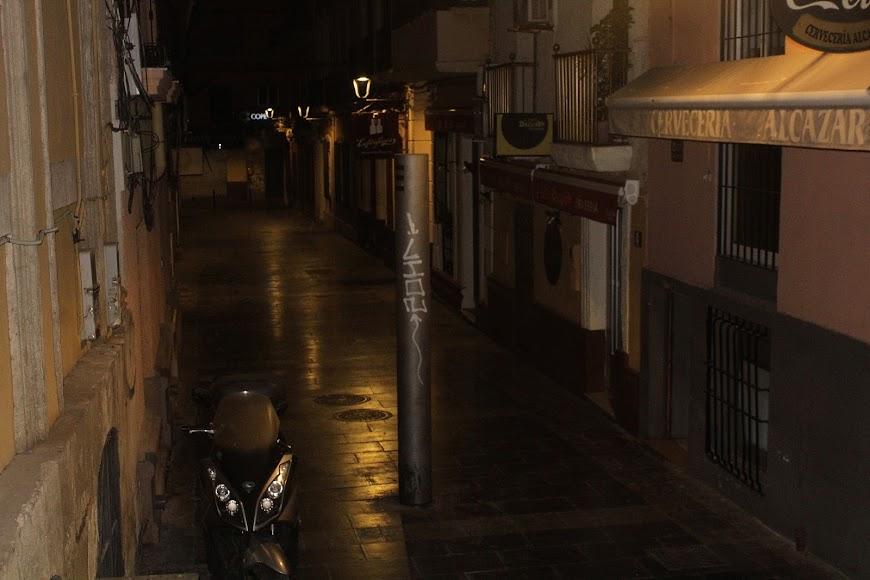 Calle Padre Alfonso Torres donde se ubican los bares más visitados del centro de la ciudad.