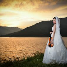 Wedding photographer Adelina Dinulescu (AdelinaDinulesc). Photo of 07.10.2016