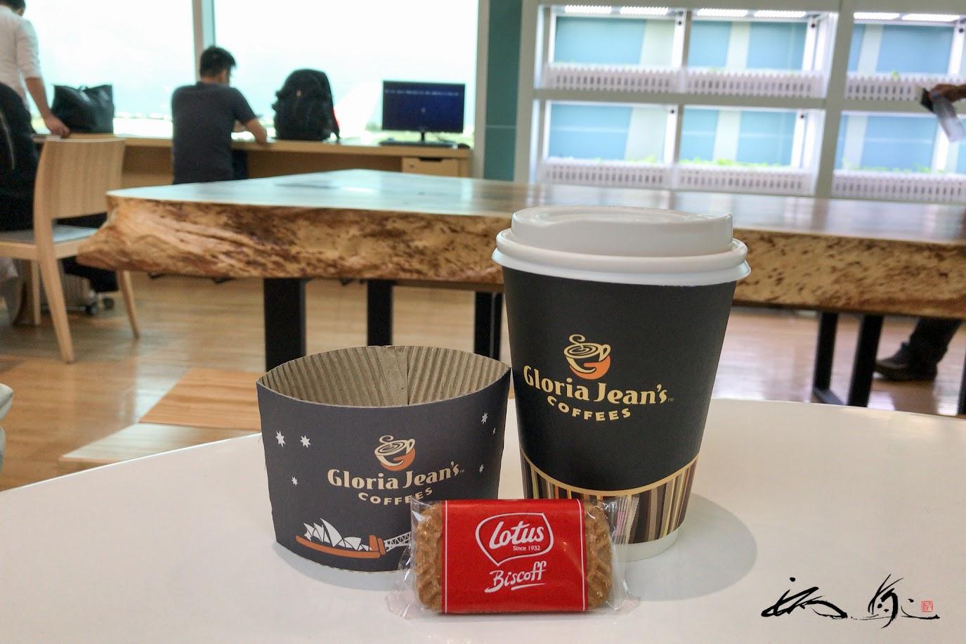 ロータスクッキーと一緒に、フレバーコーヒー・Gloria Jean's COFFEES(グロリア・ジーンズ・コーヒー)