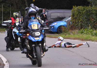 """Alaphilippe neemt motard uit de Ronde niets kwalijk: """"Hij hoeft zich geen zorgen te maken, het is maar koers"""""""