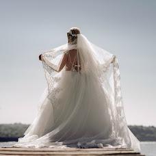 Wedding photographer Miroslava Velikova (studioMirela). Photo of 03.12.2017
