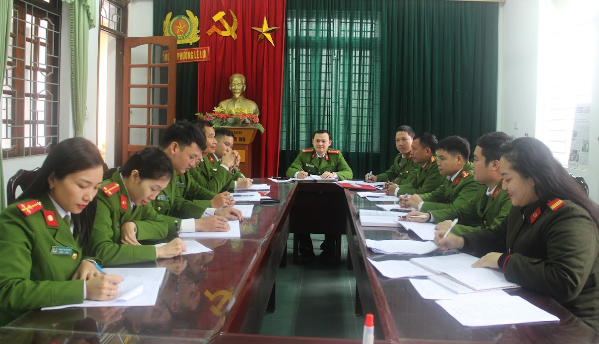 Công an phường Lê Lợi họp bàn kế hoạch ra quân tấn công, trấn áp tội phạm