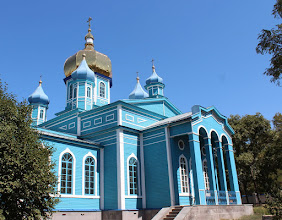 Photo: Это красивый деревянный храм. Его построили в Воронеже, потом переправили по реке до Ростова-на-Дону, а потом перевезли на постоянное место прописки.