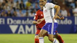 Zapater en un partido con el Zaragoza.