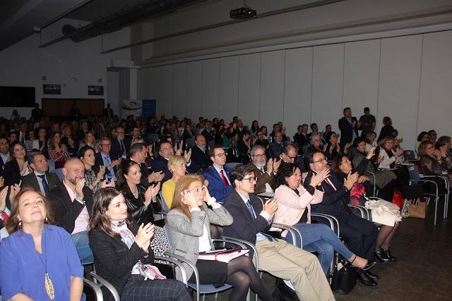 Masiva asistencia en el Palacio de Exposiciones y Congresos de Aguadulce a las Jornadas de los Graduados Sociales.