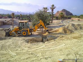 Photo: Fase de infraestructuras. Apertura de zanjas y arquetas.