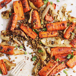 Spicy Maple Roasted Carrots with Crispy Lentils {print me!}
