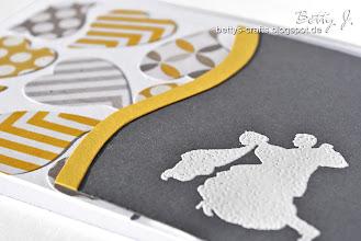 Photo: http://bettys-crafts.blogspot.com/2013/07/hochzeitskarte-die-dritte.html
