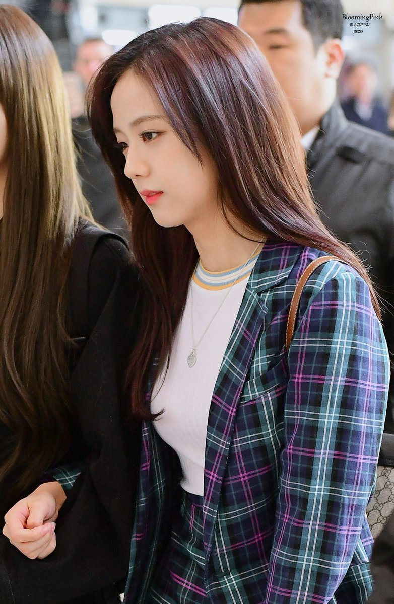 jisoo plaid 11