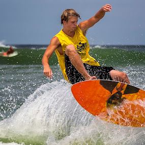 OBX Skim Jam 2014 - 208 by Lawayne Kimbro - Sports & Fitness Surfing ( skim boarding, pro skim, ©kimbrophoto, skim board, ©kimbro photography, ocean, beach, skim, skimming, ©lawayne kimbro photography, surfing, obx, skim jam, skimusa, competition, skimjam,  )