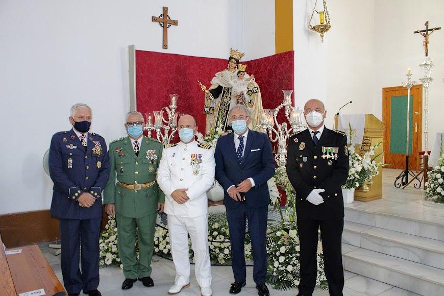 El subdelegado de Defensa, coronel de la Brileg, comandante naval, el presidente de la Autoridad Portuaria y el comisario provincial de la Policía Nacional.