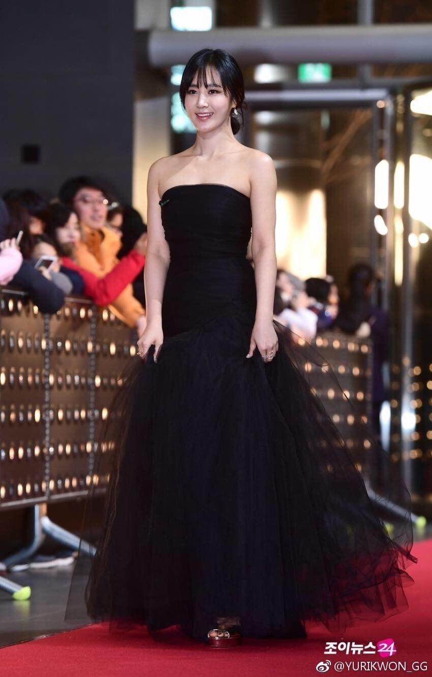 yuri gown 5
