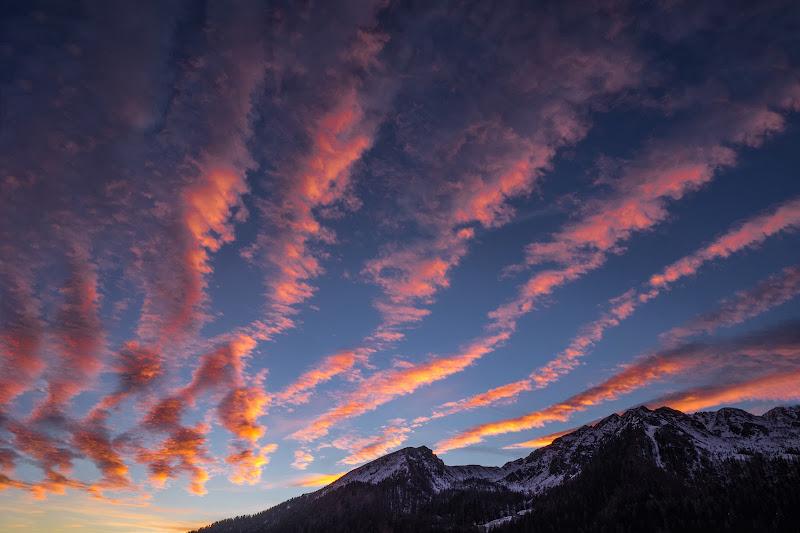 Le nuvole non offuscano il cielo ma lo dipingono. di brunosma