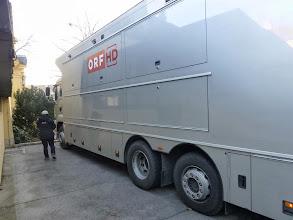 Photo: Ein riesiger Übertragungswagen des ORF