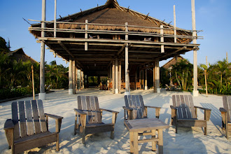Photo: Nikoi Island - main bar and lounge