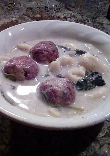 Italian Meatball Tortellini Soup