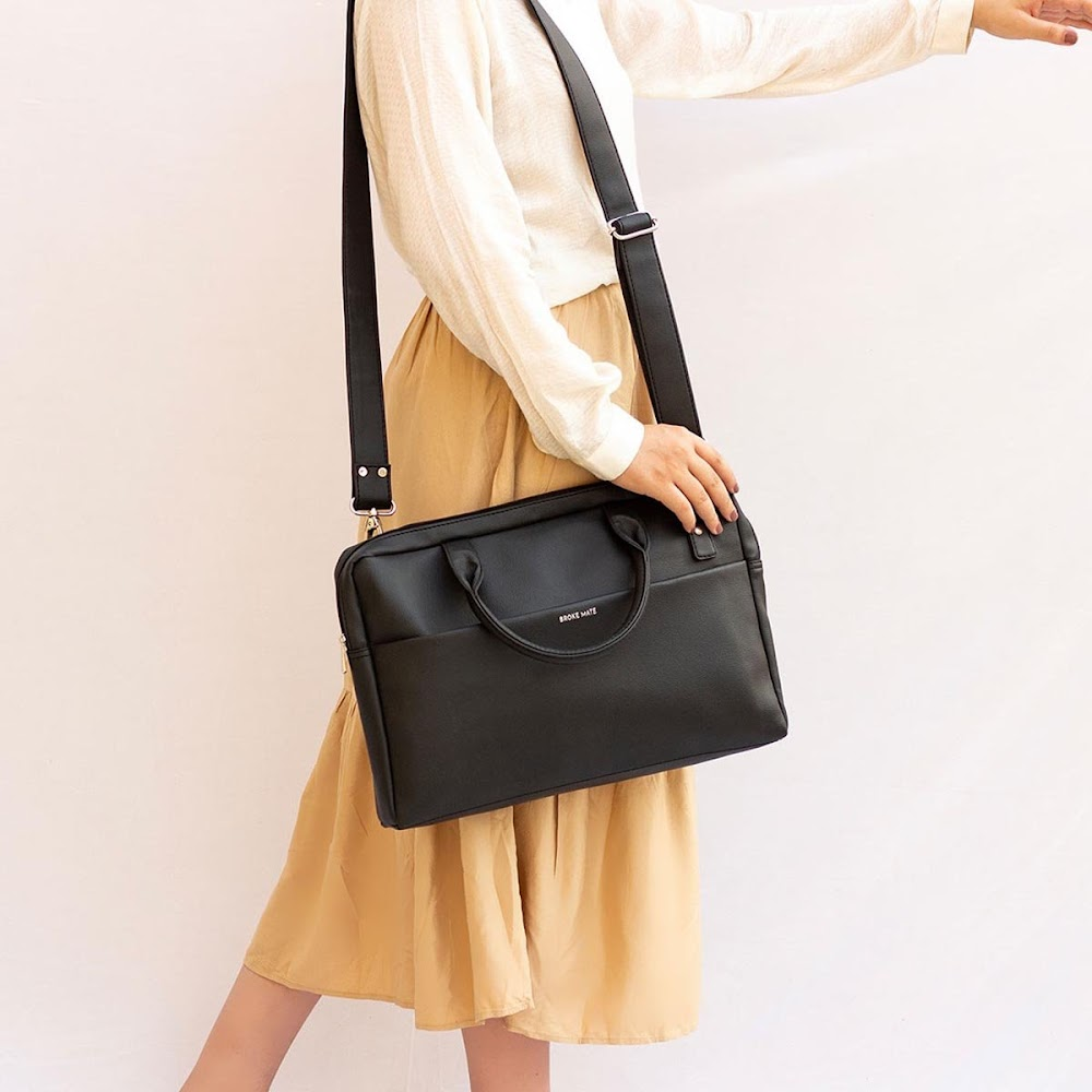 all-types-of-handbags-for-women_laptop