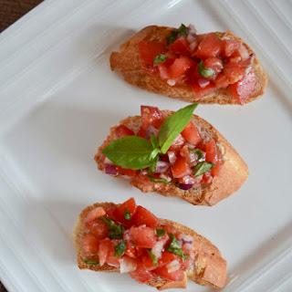 Simple Tomato Basil Bruschetta