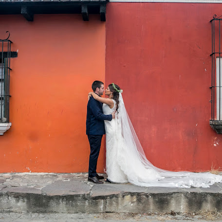 Wedding photographer Luis alberto Payeras (lpayerasfotogra). Photo of 19.01.2018