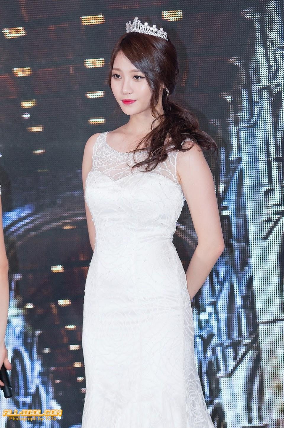 yura dress 27