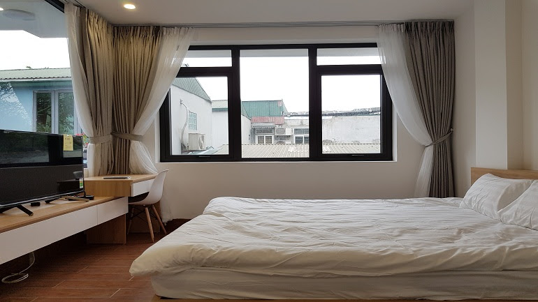 Brand – new two bedroom apartment in Hoang Hoa Tham street, Ba Dinh district for rent